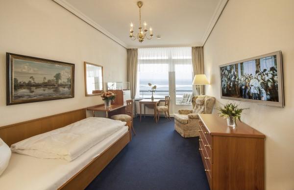 strandhotel garni monbijou in westerland auf sylt zimmer und suiten in direkter strandn he. Black Bedroom Furniture Sets. Home Design Ideas